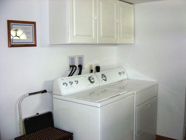 Caledonia Haulers Bunk House Laundry Room