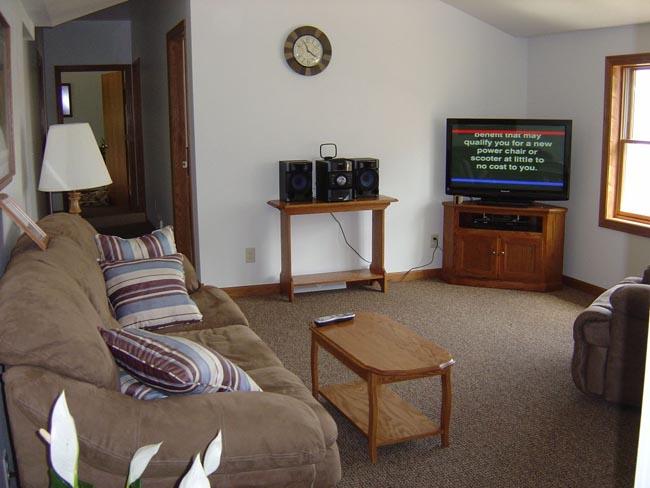 Caledonia Haulers Bunk House Living Room